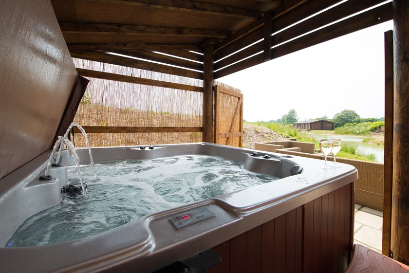 Log Cabin Video with Exteriors and Hot Tubs