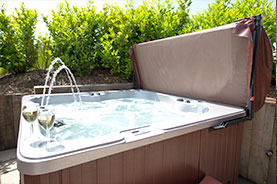 secluded hot tub at the suffolk escape
